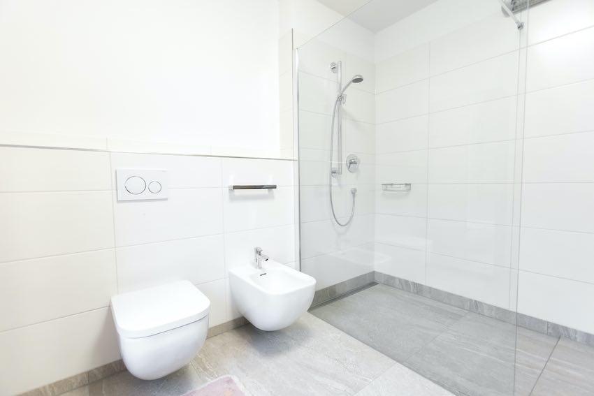 Dusche für Ältere und Behinderte