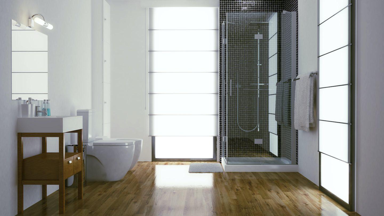 Dusche mit Holzboden und Toilette und Bidet